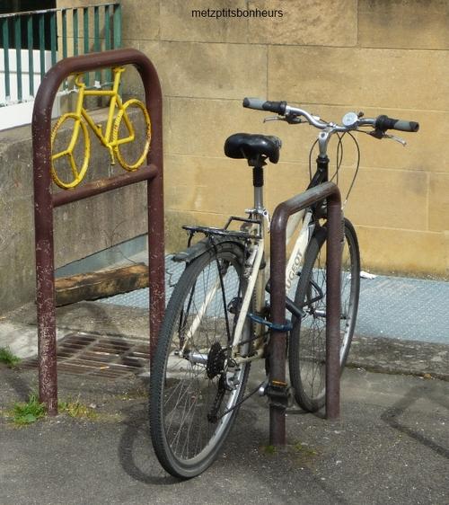...à bicyclette!
