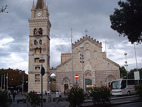 Messine---Le-Dome-et-le-campanile-de-l-horloge.jpg