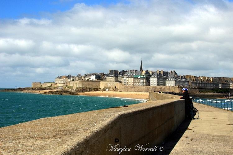 Bretagne : Saint-Malo, Le Môle des Noires