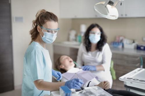 Pourquoi aller régulièrement chez le dentiste ?