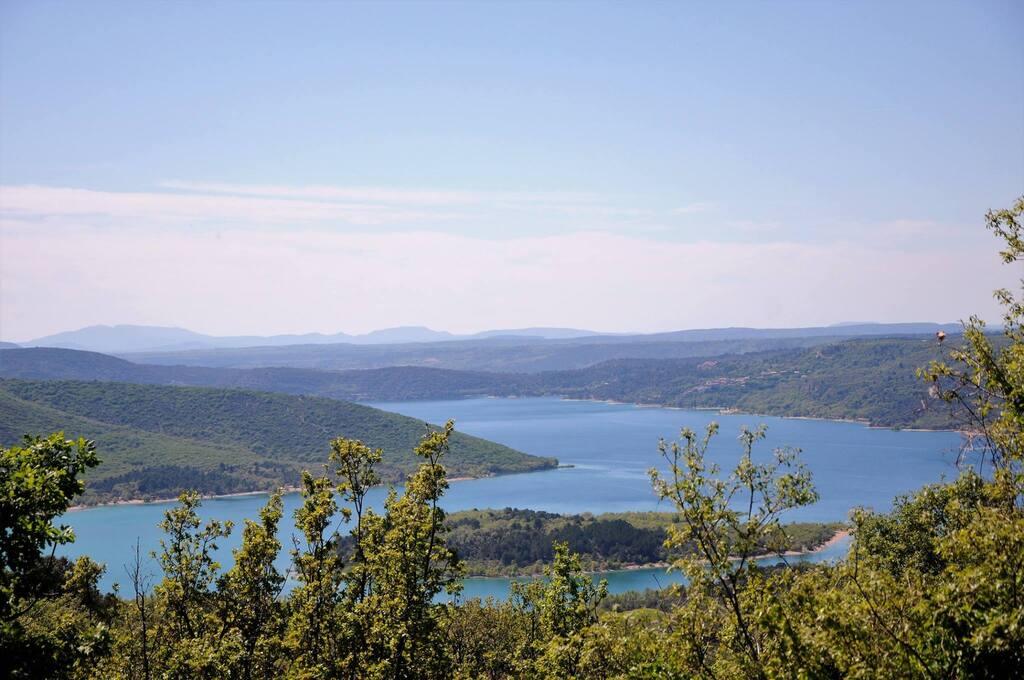Le lac de Sainte Croix !