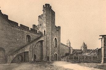 La Porte Saint-Nazaire et la Barbacane Crémade