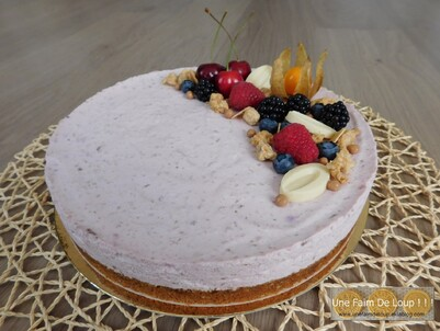Cheesecake léger aux cerises et myrtilles