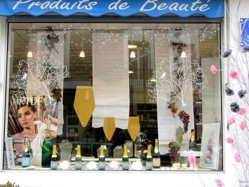 Les vitrines des commerçants châtillonnais fêtent aussi la Saint Vincent !