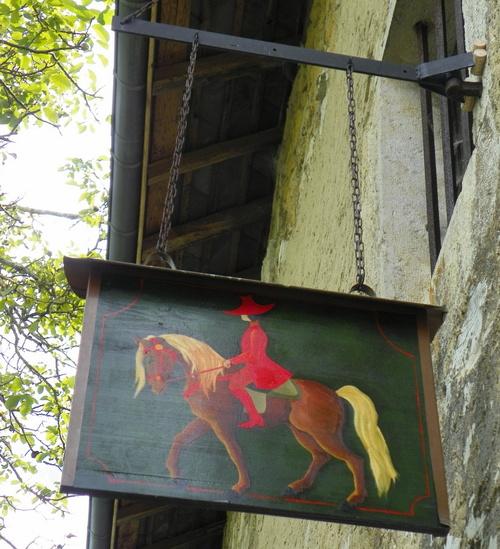 Enseignes autour du cheval