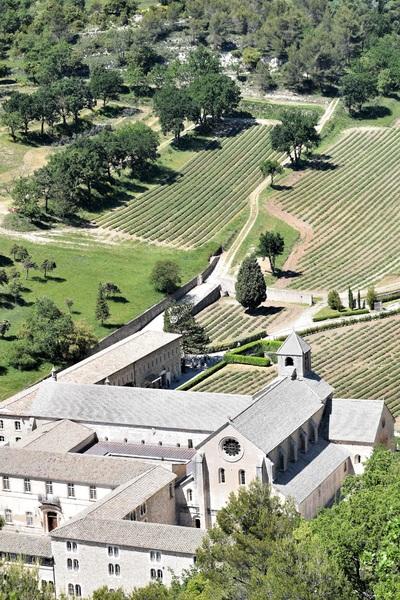 2017.05.24 Fontaine de Vaucluse, Abbaye de Sénanques (3)