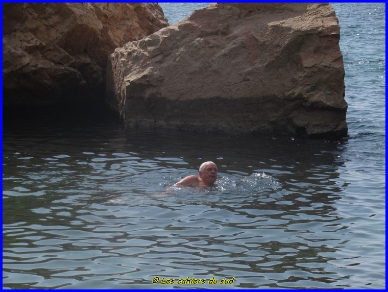 Calanques, le pas de la demi_Lune et baignade à Podestat