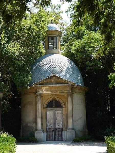 Jardin de Magalone mausolée (2)