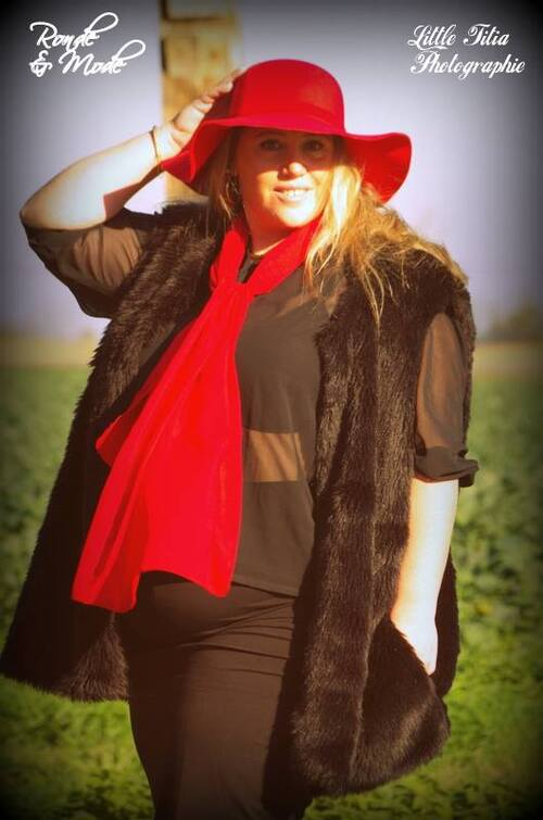 shooting capeline rouge et gilet fourrure