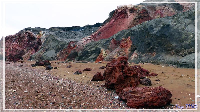 Encore et toujours du rouge - Smoking Hills - Cape Bathurst - Territoires du Nord-ouest - Canada