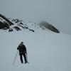 Passage au lac de la Cinda Blanque caché sous le manteau neigeux