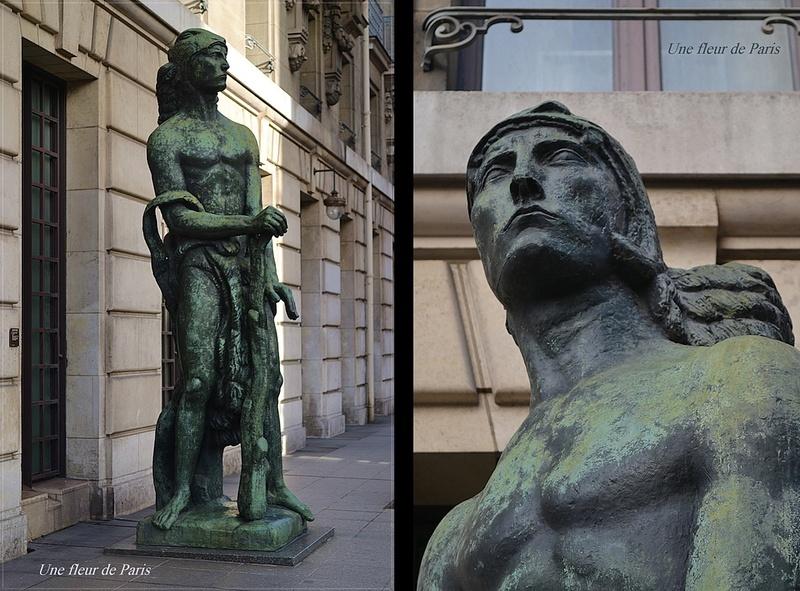 """Parvis du Musée d'Orsay : """"La Force de la Volonté"""" de Antoine Bourdelle"""