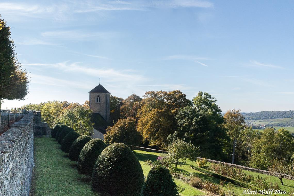Frontenay - l'église du village