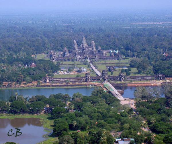 Angkor Vat depuis la montgolfière