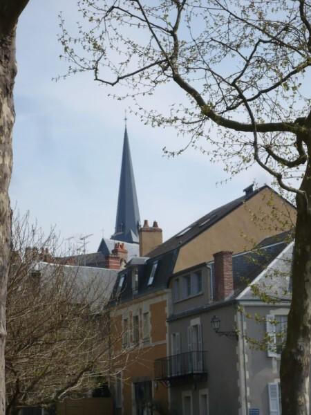 Issoudun Vieille-ville-Eglise-St-Cyr