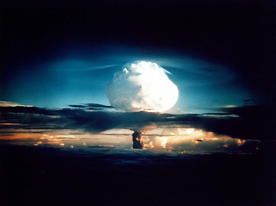 Bombe À Hydrogène, Bombe Atomique, Explosion Nucléaire