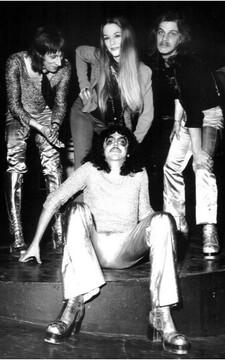 1973 SADE MAMA LION Lynn Carey Olympia Mai 1973
