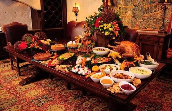 Table typique lors d'un repas de thanksgiving aux USA