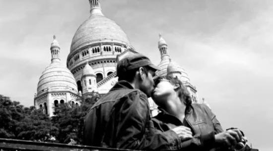 Un-baiser-à-Montmartre-470x260