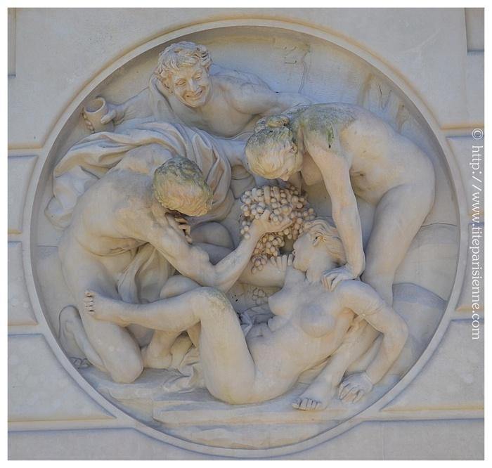 """Fontaine """"Bacchanale"""" des serres d'Auteuil de Aimé-Jules Dalou"""