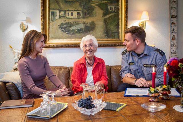 Marie et les personnes âgées