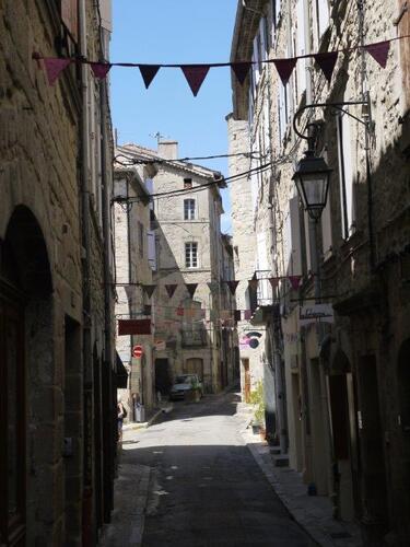 La grande rue de la vieille ville