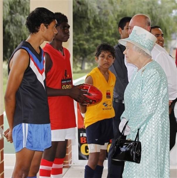 Elizabeth à l'école aborigène