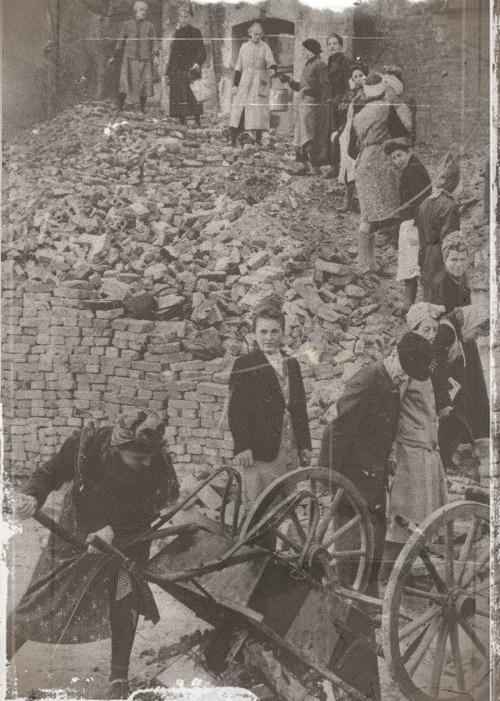 reconstruction de berlin en 1945