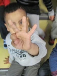 3 doigts f