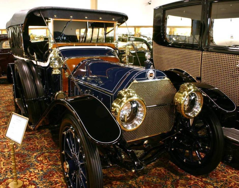 1912 ALCO Touring Car - Nethercutt Collection