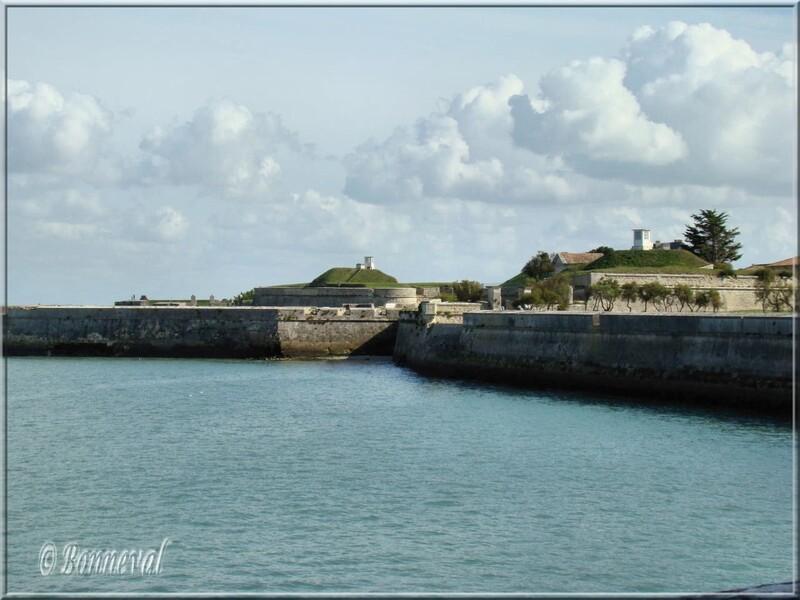 Citadelle de Saint-Martin-de-Ré Porte de l'Avancée et Porte du Secours