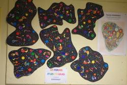 Compositions de formes et de couleurs à la manière de Kandinsky par groupe