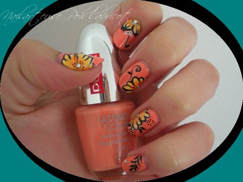 Swatch Pupa + son nail art