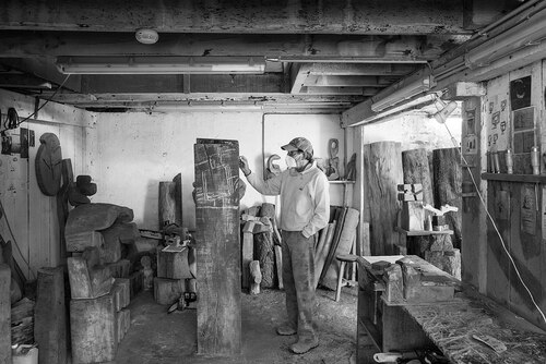 Zigor dans son atelier