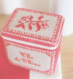 boite a thé au point de croix