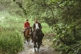 Ut og stjæle hester : Photo Tobias Santelmann