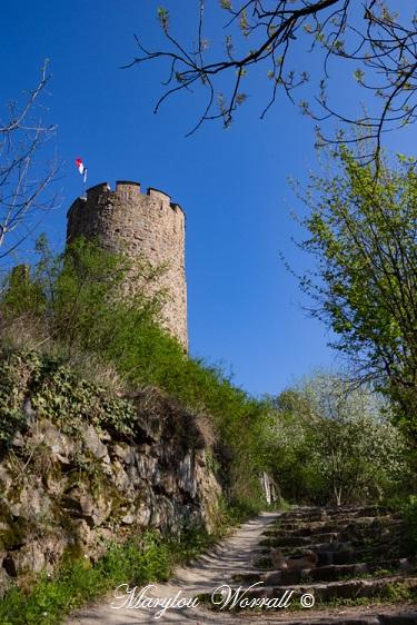 Kaysersberg 68 : 3/5 Un route vers le château