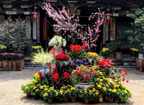 des temples magnifiquement fleuris