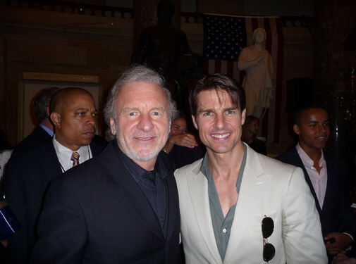 Colm Wilkinson et Tom Cruise  National Memorial Day 2009