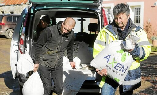 Livraison de semences à la ferme de Fontenego, jeudi dernier.