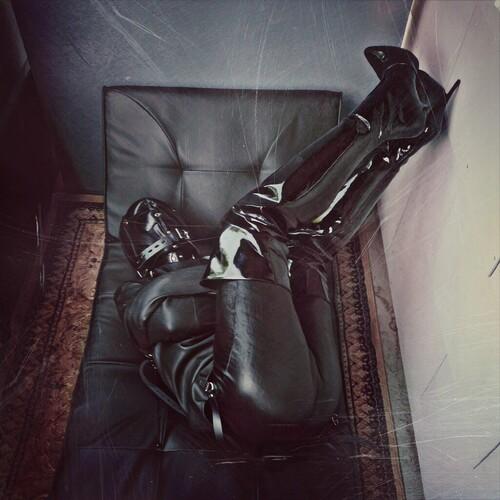 Thierry esclave cuir…