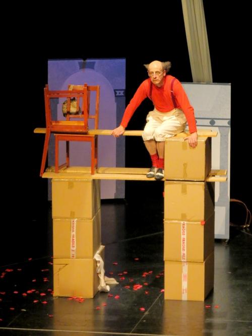 HOPPA !  un spectacle plein de drôlerie, de musique et d'acrobaties a ravi les spectateurs !