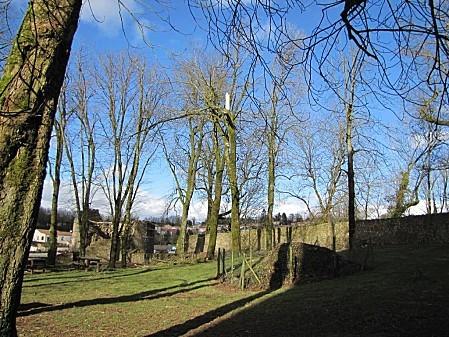 le-chateau-de-Pouzauges-lors-de-La-tempete-Xyntia 0003