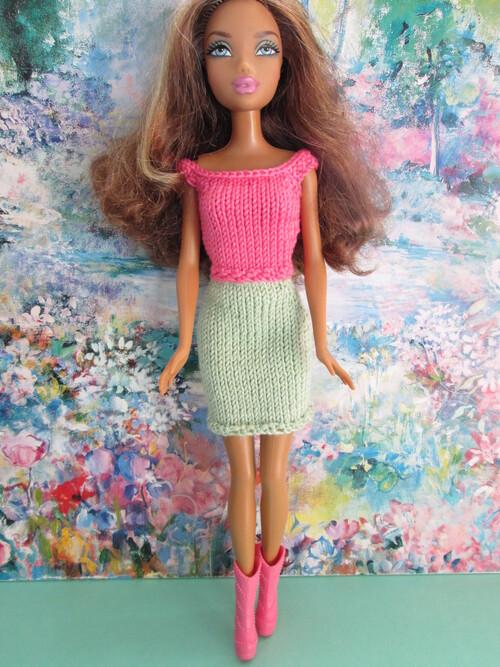 Tops et jupes pour barbie