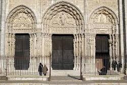 * Visite de l'extérieur de la cathédrale de Chartres