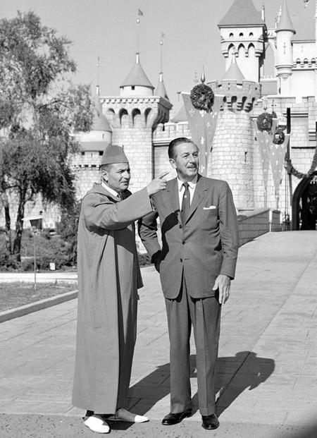 Photo rare : Mohamed 5 et Walt Disney ensemble