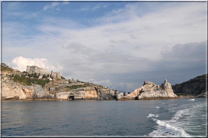 Italie, les 5 Terres : Portovenere, le château Doria et l'église San Pietro