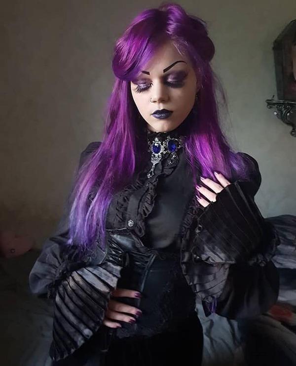Crystal Desdemona, modèle & youtubeuse