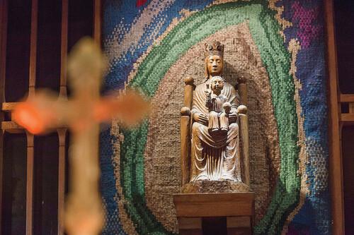 * La Vierge de Chartres