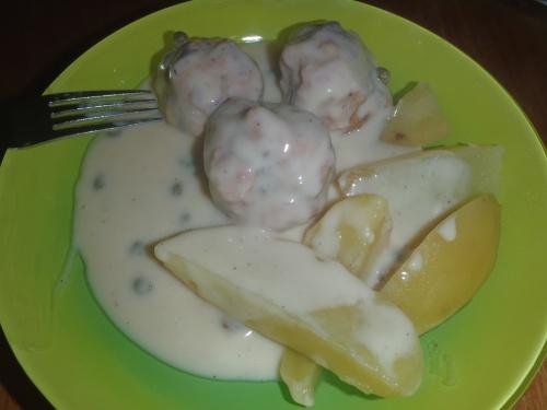 Boulettes de viande sauce câpres et pommes de terre Thermomix